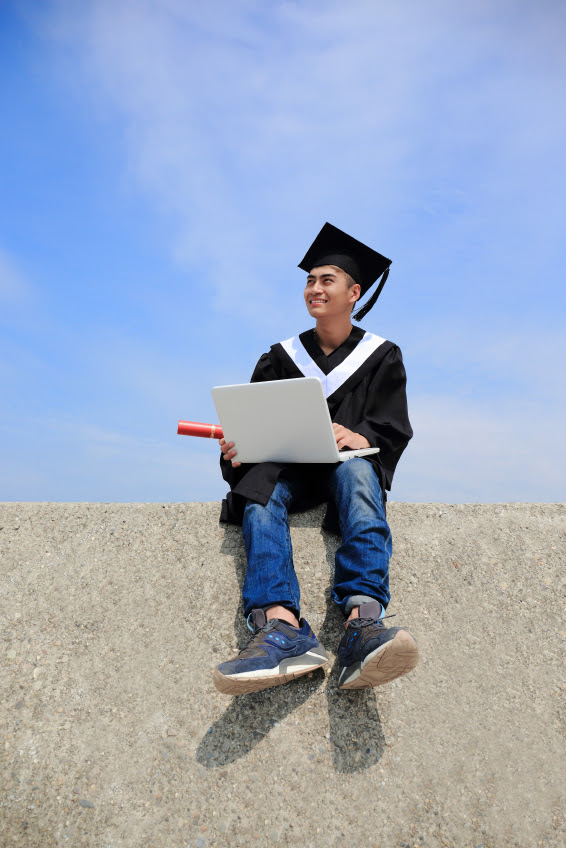 What can you do with an associates degree in IT