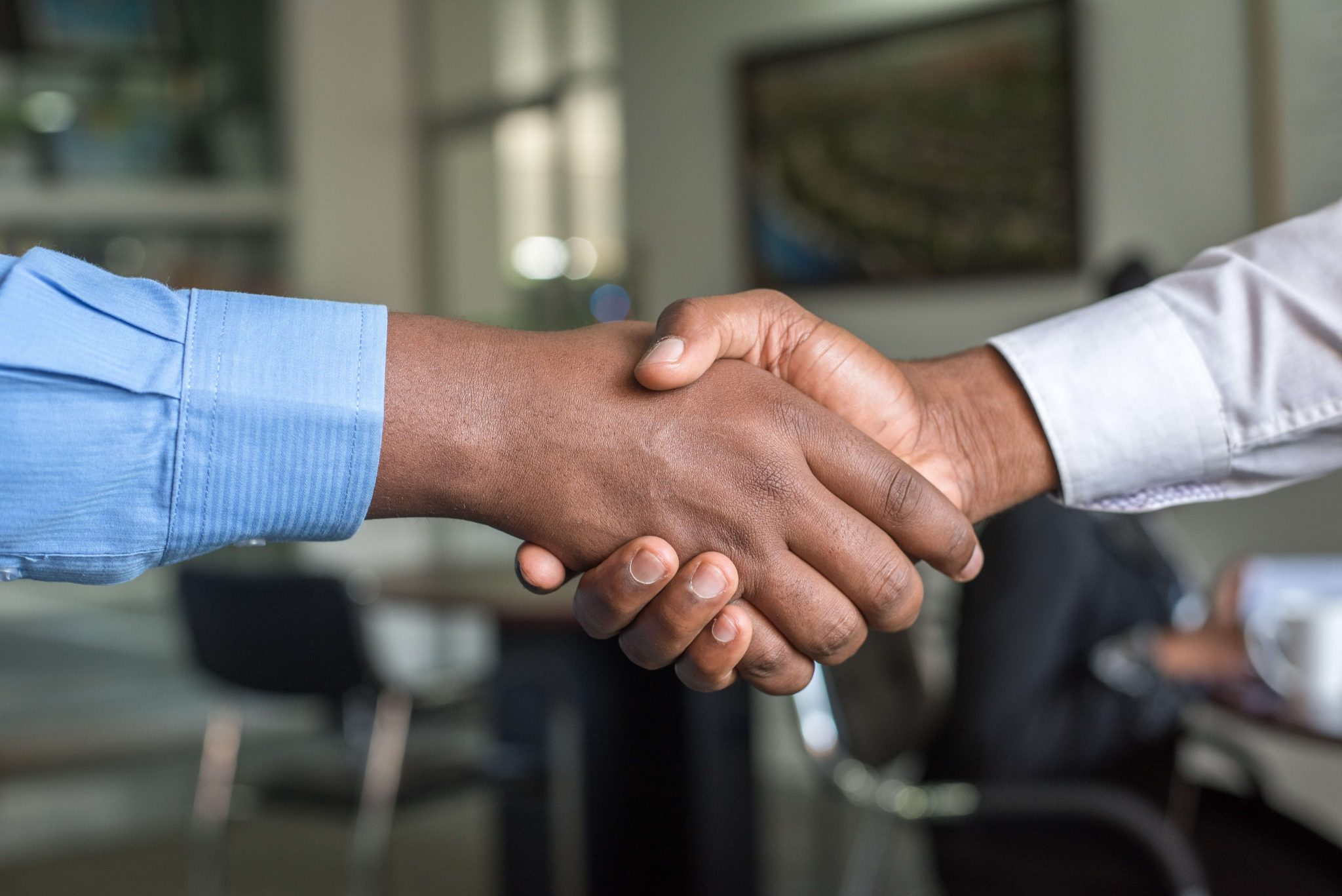two people shaking hands- relationship building (1)