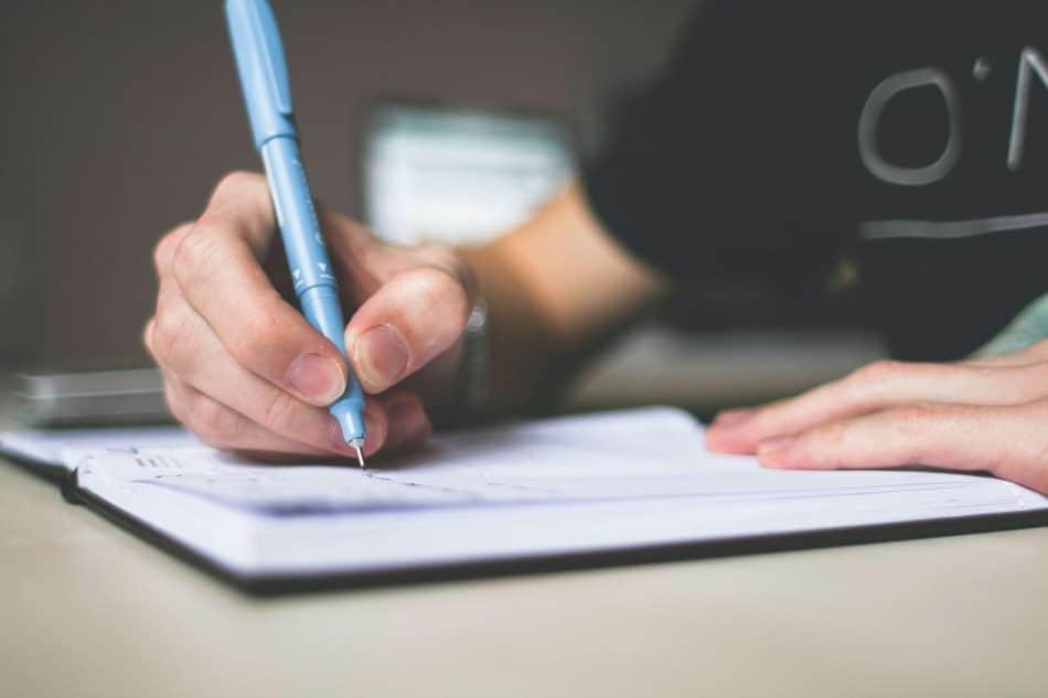 how-to-write-scholarship-essay